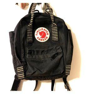 Navy Fjallraven small backpack - BNWOT!!